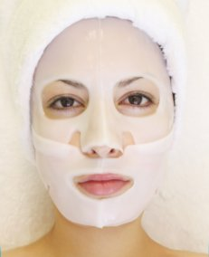 Arbutin Whitening Collagen Mask   Martinni Mask